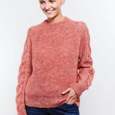 Rachel strikkegenser fra Kupong knit.wear Korall